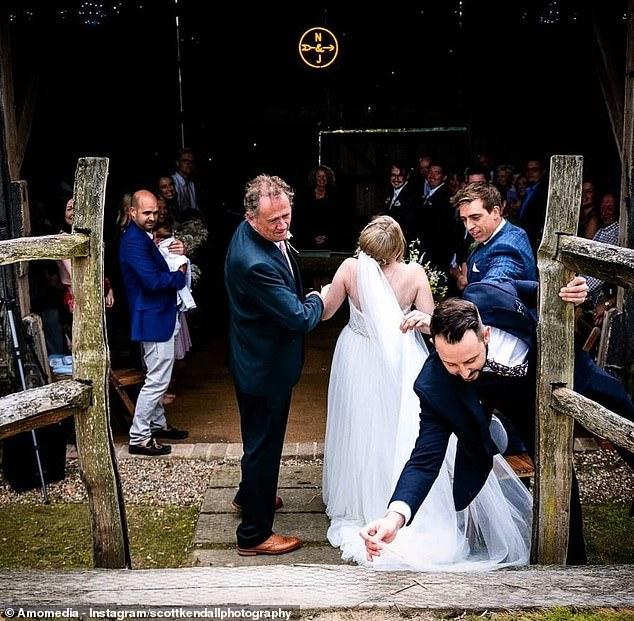 تصاویر لحظات خنده دار عروسی ها