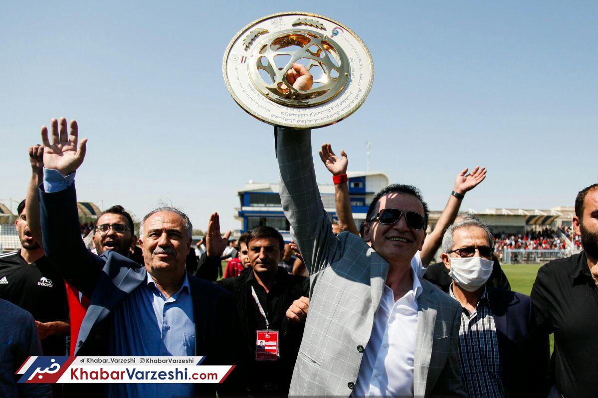 زنوزی: نه وزیر ورزش عدالت را رعایت می کند، نه صداوسیما
