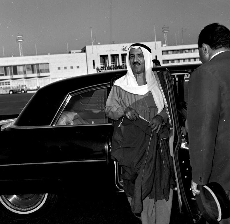 شیخ صباح امیر کویت در فرودگاه مهرآباد قبل از انقلاب + عکس