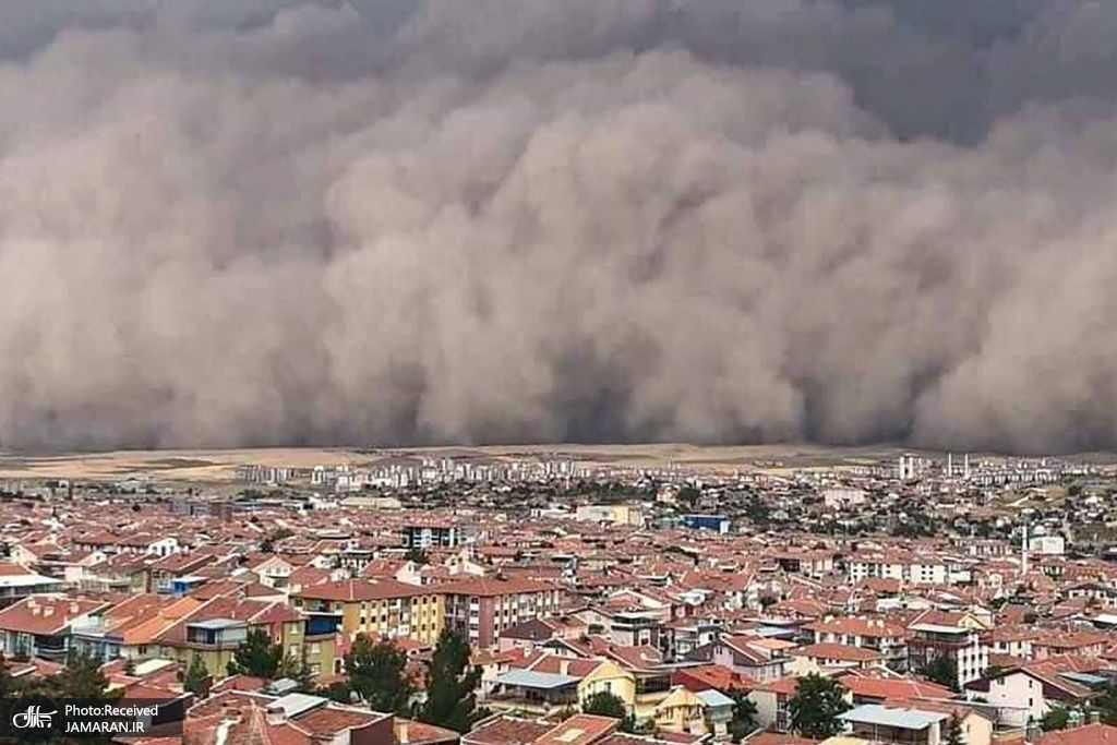 لحظه رسیدن طوفان شن و ماسه به ترکیه + عکس