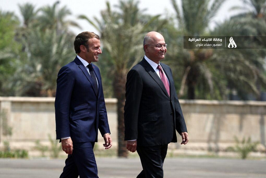 «ماکرون» با روسای قوای سهگانه عراق در کاخ ریاستجمهوری بغداد دیدار کرد
