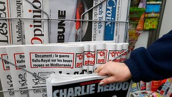 مجله شارلی ابدو مجدد اقدام موهن ۵ سال پیش خود را تکرار کرد؛ انتشار کاریکاتور پیامبراسلام در شماره جدید!