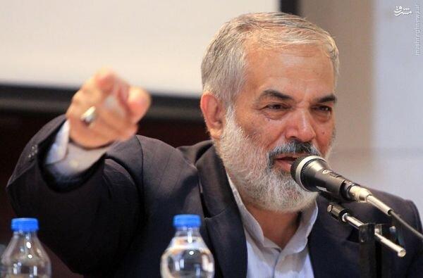 محمود احمدی نژاد از مجمع تشخیص اخراج می شود؟