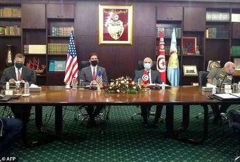ورود وزیر دفاع آمریکا به تونس