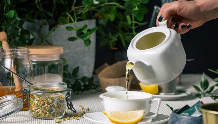 نوشیدنی های قبل خواب که باعث بهبود سوخت ساز و کاهش سموم بدن می شود!