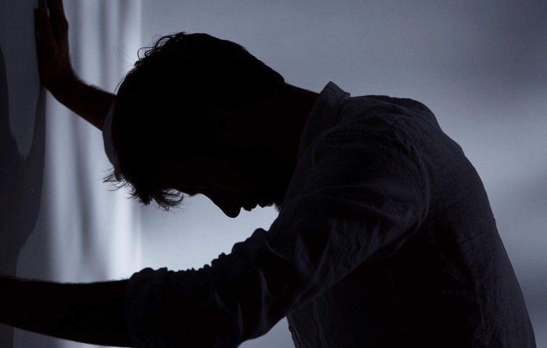 افسردگی مردانه علائم و روش های درمان