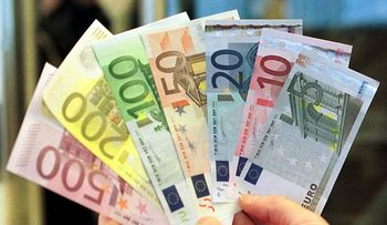 دلار در بازار /ارز ۳۶ هزار و ۸۰۰ تومانی در بازار تهران /افزایش نرخ ارزها در نیمه روز