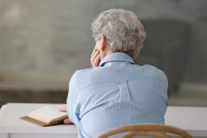 بیعلاقگی در سالمندان نشانه زوال عقل است