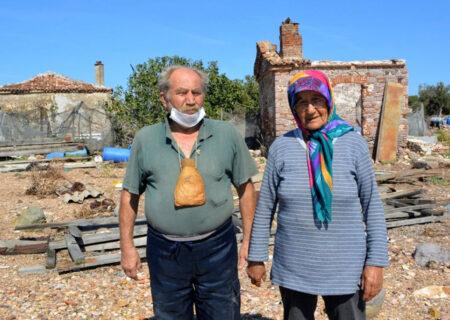 زندگی شگفت انگیز زوجی تنها در یک جزیره + عکس