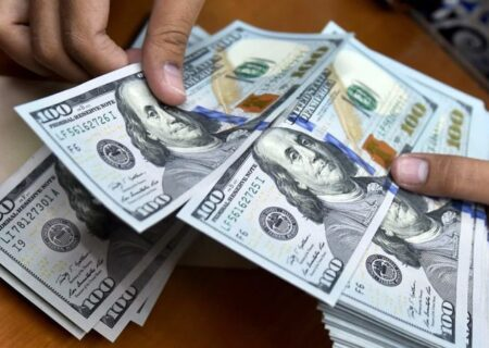 پیشبینی کاهش قیمت دلار تا ۱۰هزار تومان