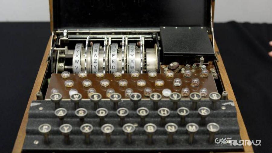 ماشین رمزنگاری ارتش نازی بهنام Enigma M4 با قیمت ۴۳۸ هزار دلار فروخته شد+عکس