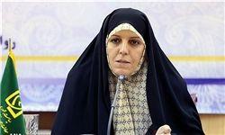 توضیحات مولاوردی درباره بازداشت همسرش در مقابل دادگاه