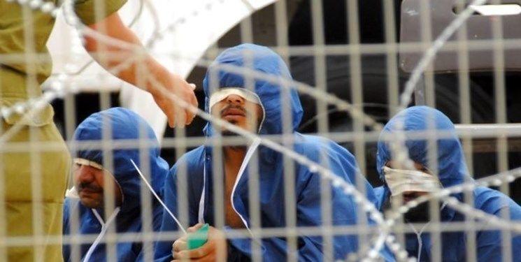 انتقال ۶۰ اسیر فلسطینی به انفرادی به دلیل اعتصاب غذا