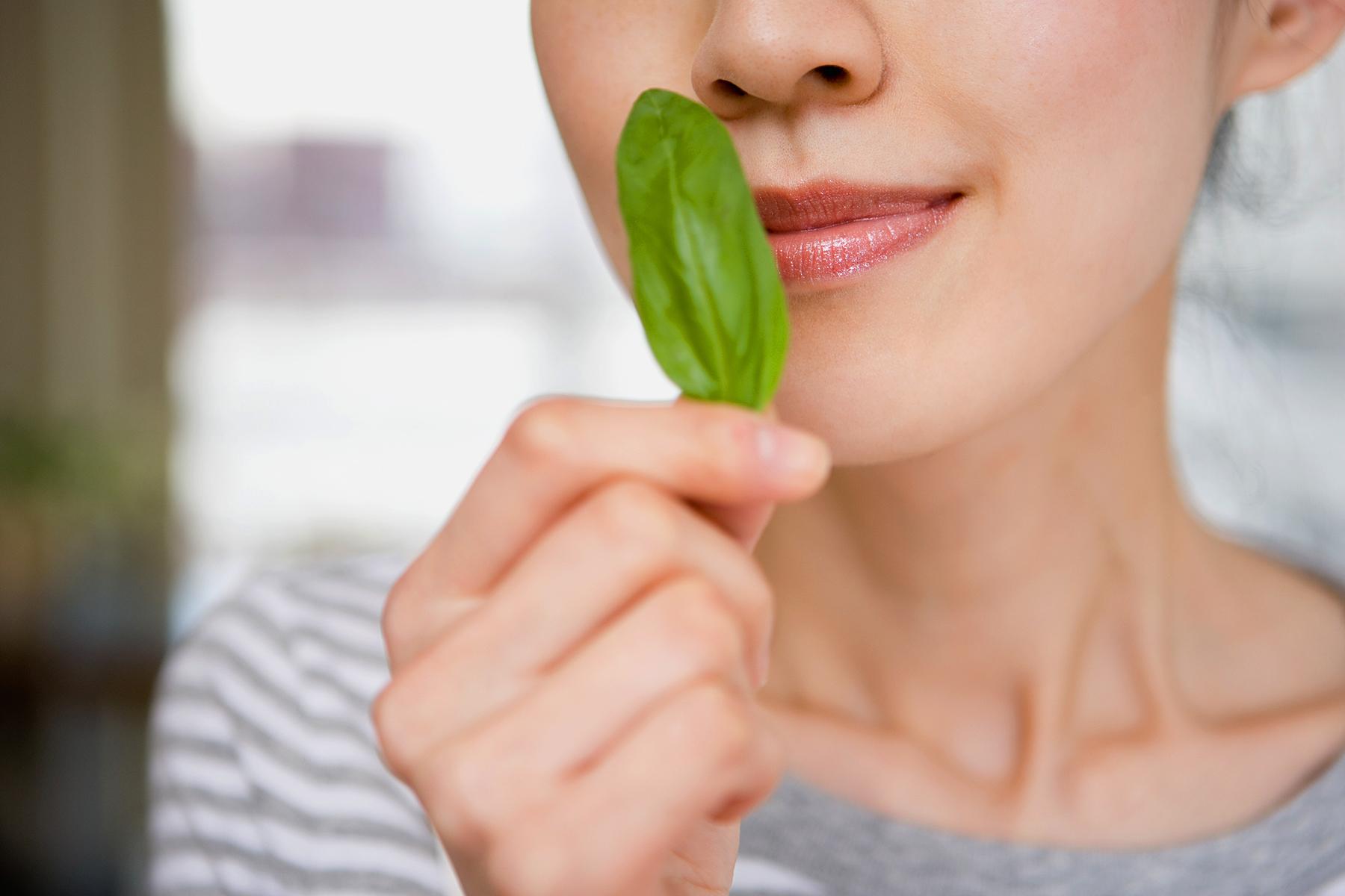 از بین رفتن حس چشایی و بویایی در کرونا نشانه خوبی است؟