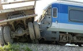 برخورد دیزل قطار مسافری رشت- قزوین به یک واگن متوقفمانده در مسیر/ همه مسافران سالم هستند