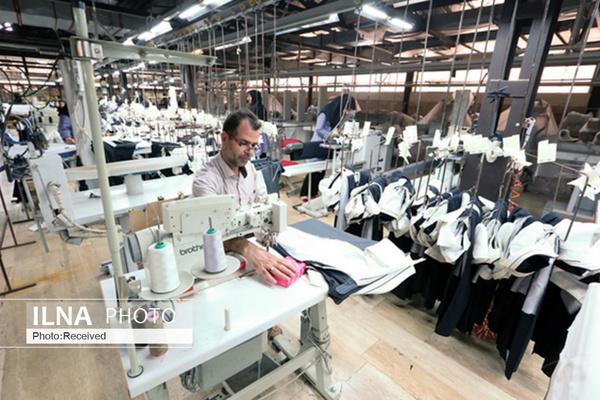 بسیاری از تولیدکنندگان پوشاک به سمت تولید ماسک حرکت کردند/ فروشگاههای آنلاین توسعه یابند