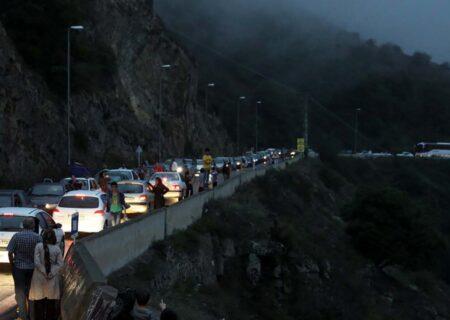 ترافیک سنگین شبانه در  جادههای مازندران!