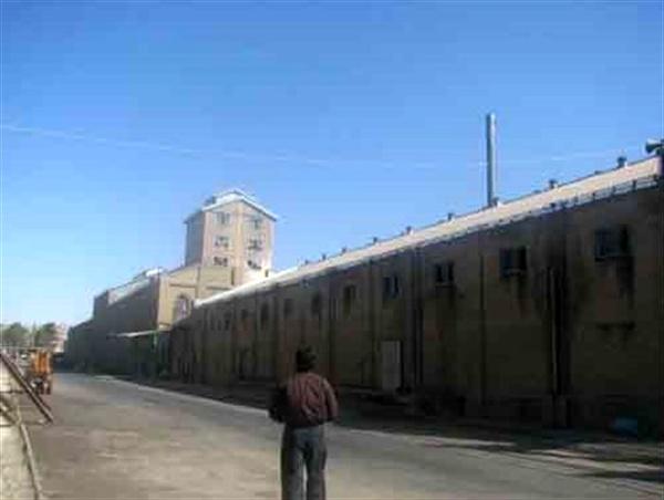تلاش بینتیجه کارگران «قند ورامین» برای بازگشایی کارخانه/ مسئولان کمک کنند