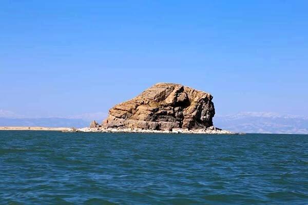 رهاسازی ۶ میلیارد مترمکعب آب از سدهای آذربایجان غربی برای احیای دریاچه ارومیه