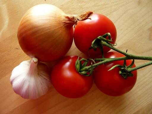 قیمت مصوب گوجه فرنگی و پیاز اعلام شد/ صیفی جنوب در راه تهران