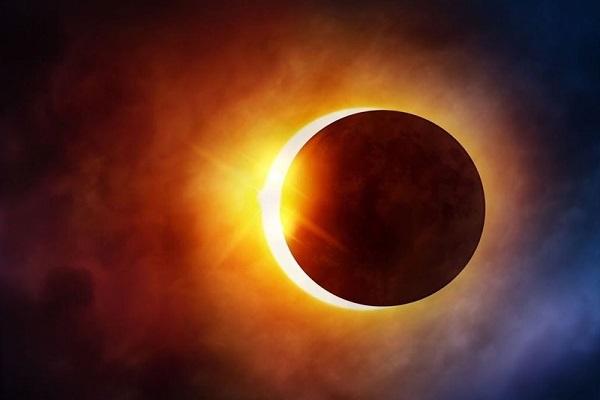 ماه گرفتگی که با چشم قابل رویت نیست