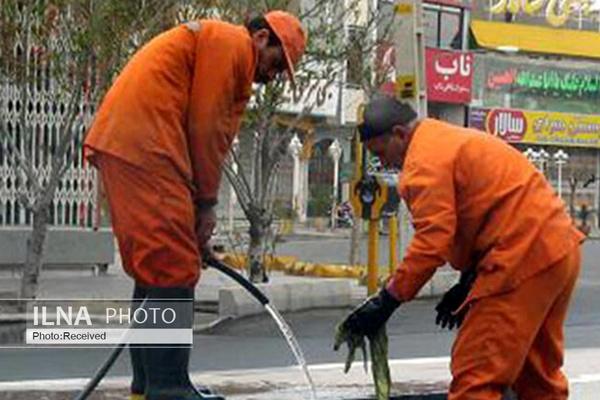 کارگران شهرداری منطقه دو خرم آباد معوقات مزدی دارند/ شهرداری: متعهد نبودن پیمانکار باعث تاخیر در پرداختها شد