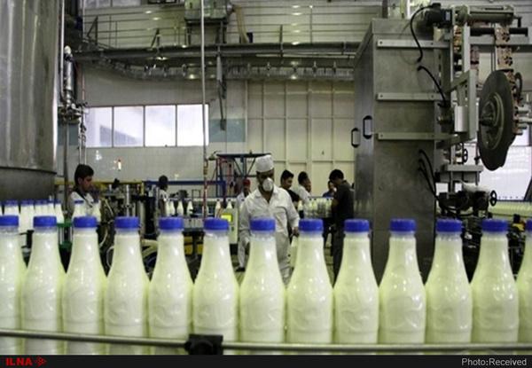 کارگران شیر وارنا خواستار بازگشایی محل کار خود شدند/ وضعیت معیشتی خوبی نداریم