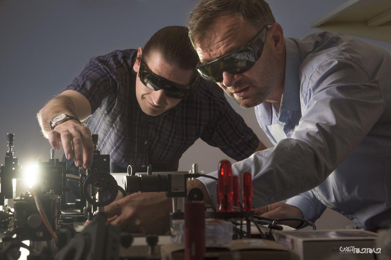 محققان با گرافین یک گام به ساخت دستگاه کنترلکننده محل برخورد صاعقه نزدیکتر شدند+عکس