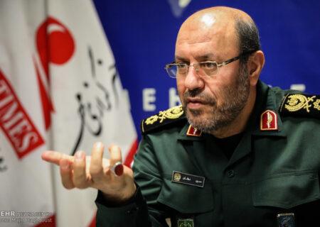 ایران روی توان دفاعی و عناصر قدرت خود با هیچ کس مذاکره نمیکند