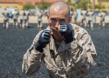 آموزش سرباز از نوع آمریکایی؛ یک شبانه روز با تفنگداران ویژه دریایی در پادگان آموزشی؛ قسمت اول+عکس
