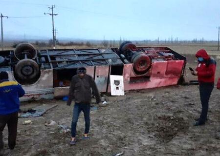 واژگونی اتوبوس با ۱۷ مصدوم در محور بجنورد _ گلستان