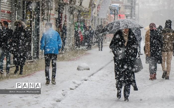 بارش باران و برف در اکثر مناطق کشور طی سه روز آینده