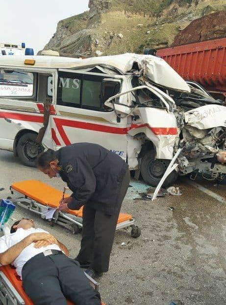 تصادف آمبولانس فوریتهای پزشکی ایذه با تریلی در جاده رغیوه + عکس