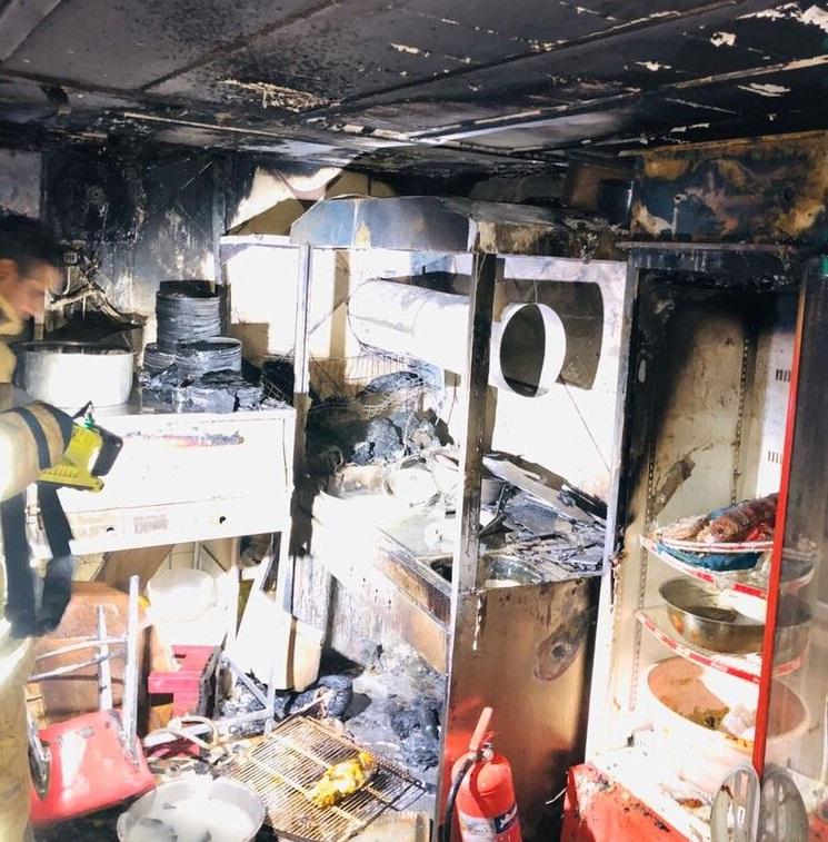 دو کشته و یک مصدوم در پی آتشسوزی در اغذیه فروشی کرج