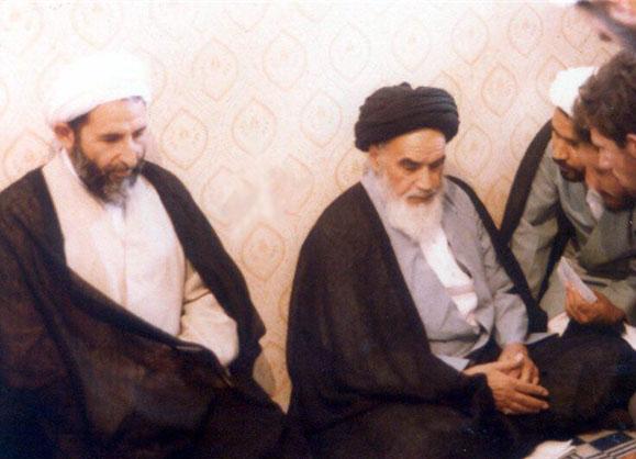 عکس آیت الله یزدی در کنار رهبر انقلاب و امام
