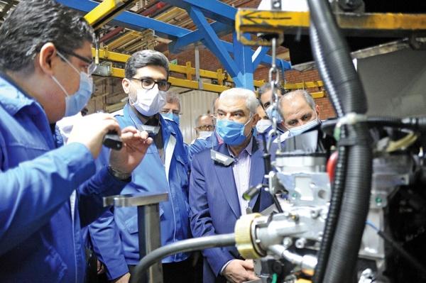 منفعت برنامههای توسعهای ایران خودرو متعلق به مردم است