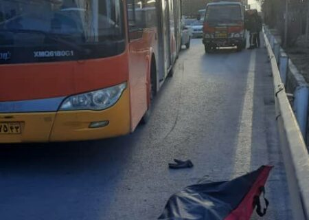 اتوبوس موتور سوار اصفهانی را له کرد + عکس
