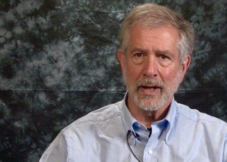 کشیش آمریکایی  |   خواستار لغو تحریمهای ایران هستیم