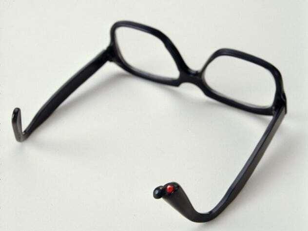عینک حاوی قرص سیانور/ ابزارهای جاسوسی