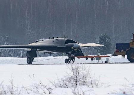 سوخو S-70 اوخوتنیک-بی؛ پهپاد جت رادار گریز روسها+عکس