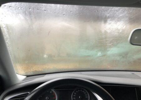 رفع بخار شیشه ماشین و راه های جلوگیری از آن با چند روش ساده