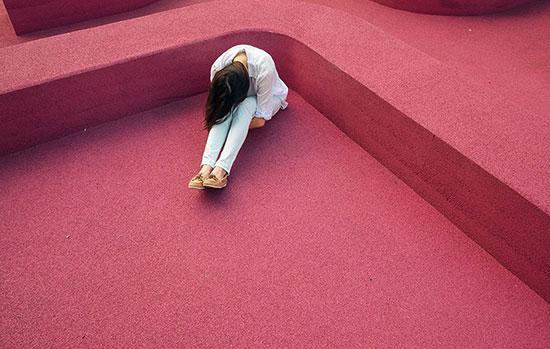 احساس غم و اندوه؛ گاهی طبیعی و مفید است!