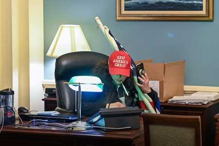 سرقت اطلاعات حساس امنیت ملی آمریکا هنگام حمله به کنگره