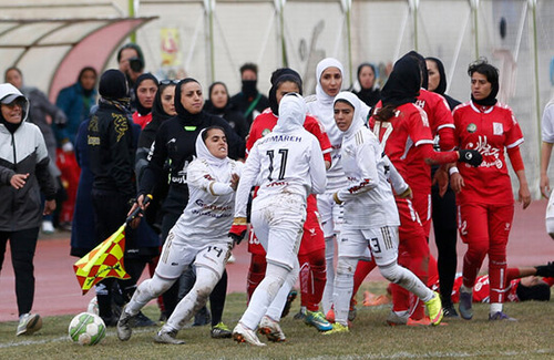 سکوت و بیاعتنایی؛ دستمزدِ تلاش دختران فوتبال