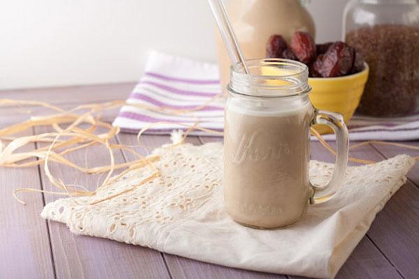 طرز تهیه شیر تخم کتان؛ مقوی و پر خاصیت