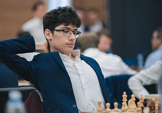 فدراسیون شطرنج به نابغه: تختی باش و برگرد!
