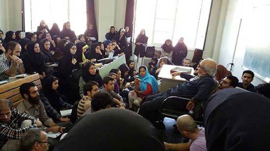 یک روز در کلاس استاد شفیعی کدکنی؛ شلوغترین کلاس دنیا!