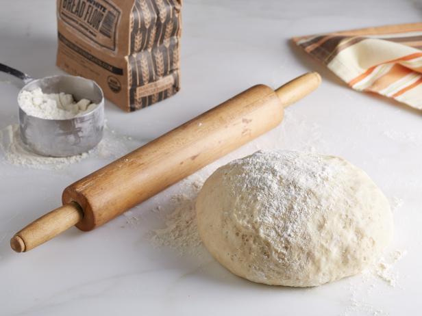 طرز تهیه نان خانگی پیتزا: