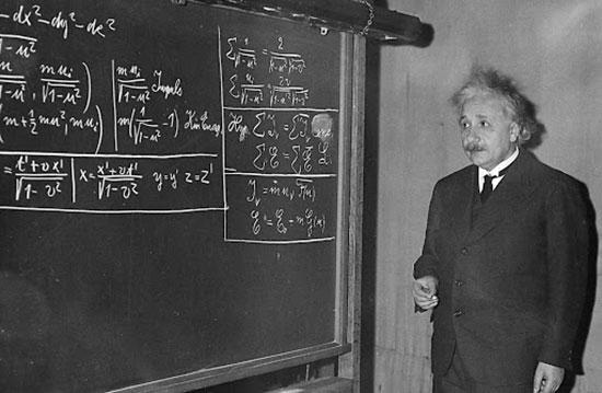 تفسیر جالب اینشتین از شعر هاتف اصفهانی