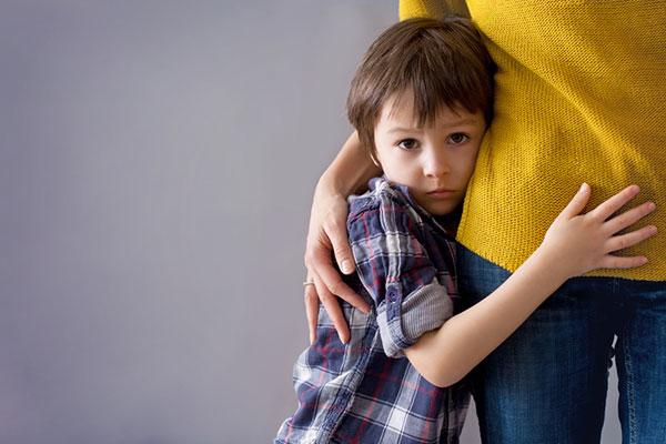 علائم افسردگی در کودکان که باید جدی بگیرید